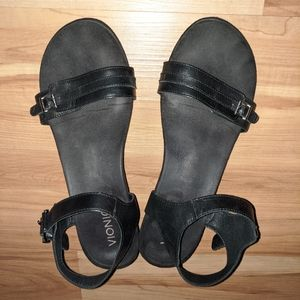 Vionic | Black Leather Sandals Size 9.5 W